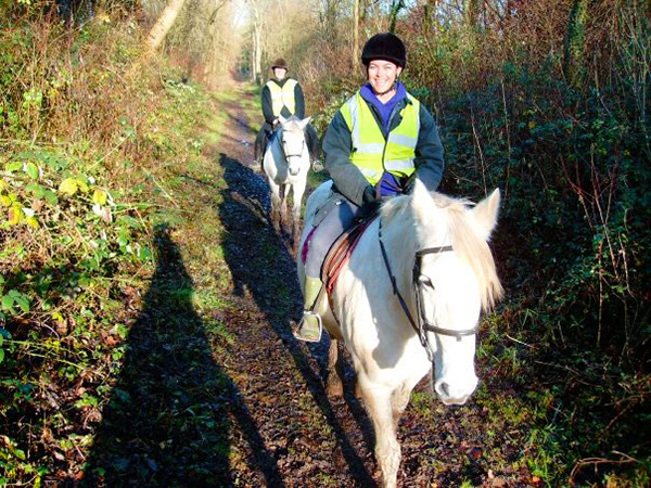 horse riding hampshire